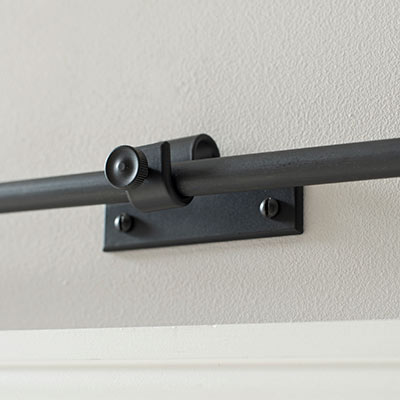12mm Chapel Centre Bracket with thumbscrew