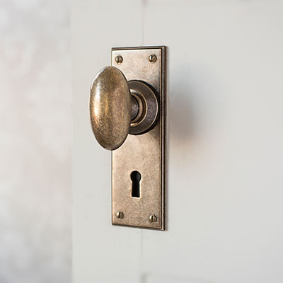 Downley Door Knob with Ripley Keyhole Backplate