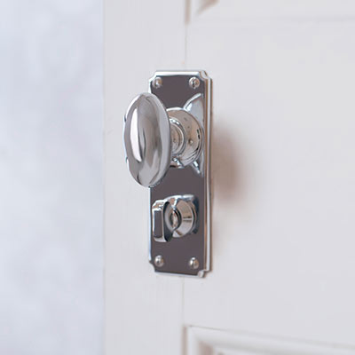 Downley Handle with Ilkley Privacy Backplate