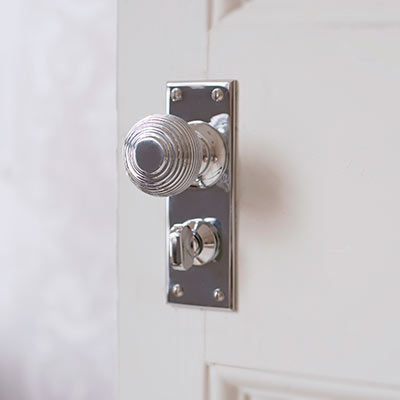 Reeded Door Knob with Bristol Privacy Backplate