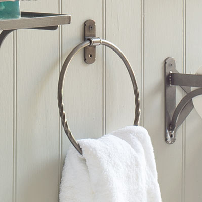Pembroke Towel Ring