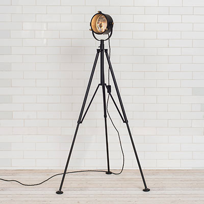 Pinewood Tripod Lamp