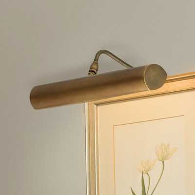 Drummond Picture Light Med Frame Mount in Antiqued Brass