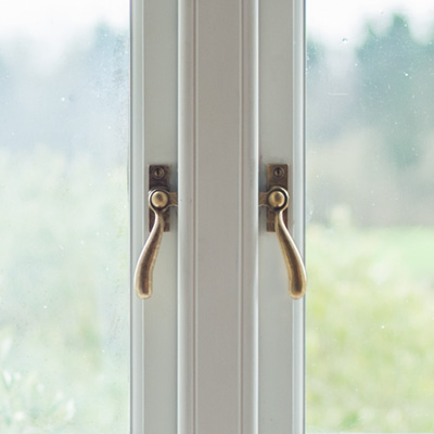 London Window Latch in Antiqued Brass