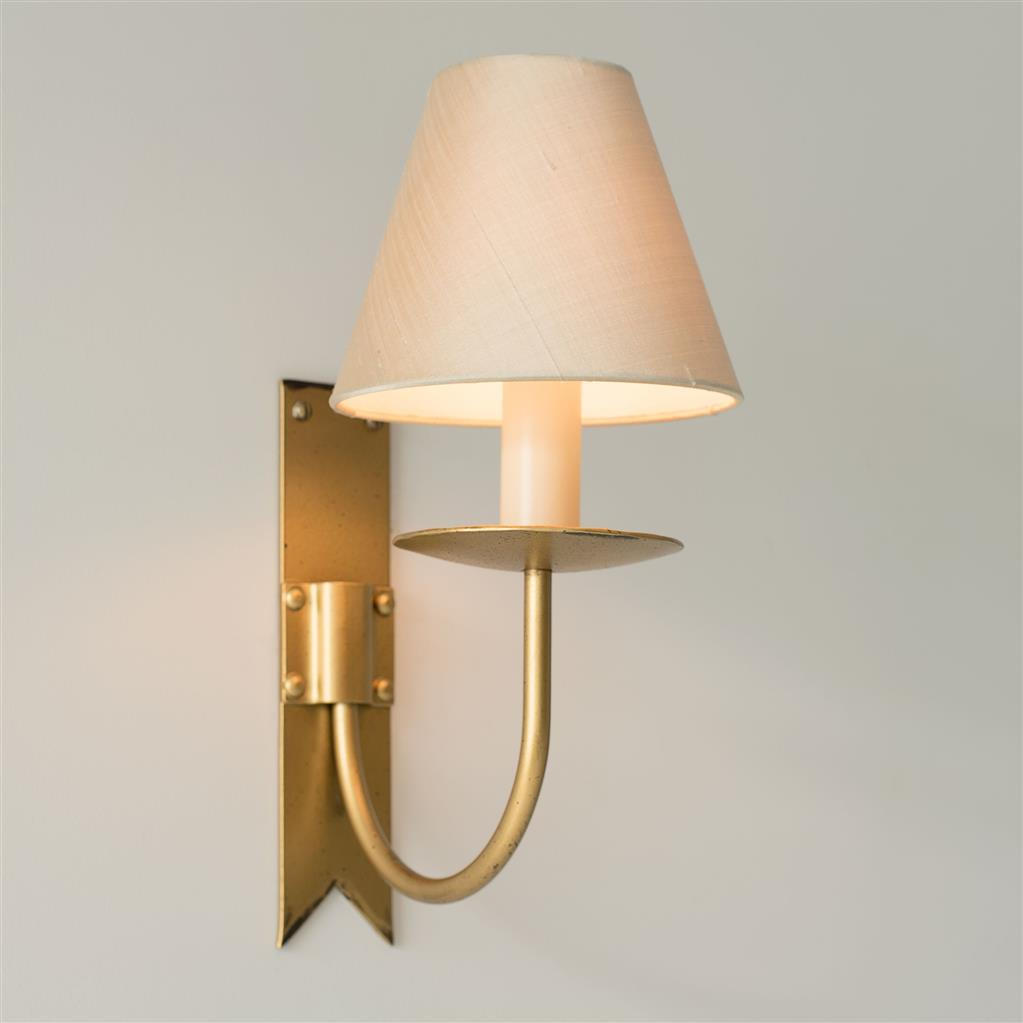 Single Cottage Wall Light in Old Gold