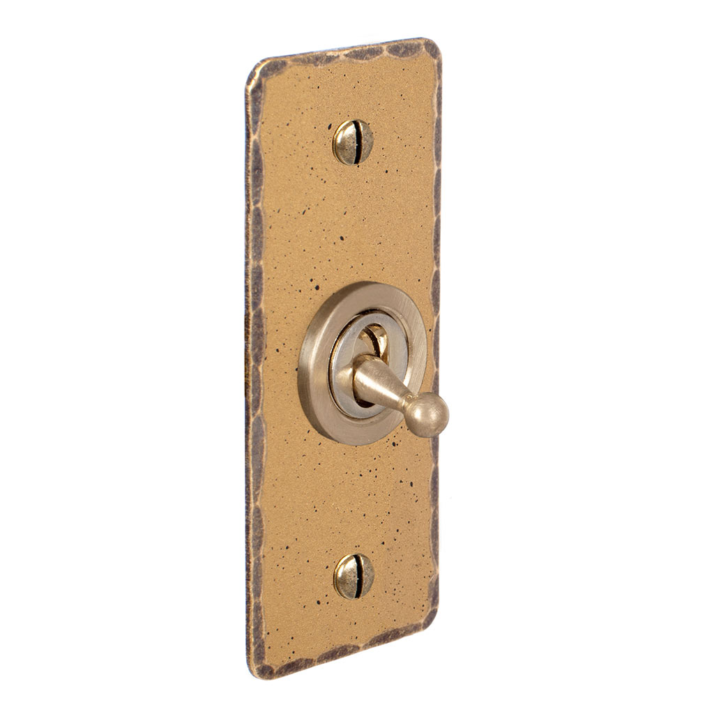 1 Gang Brass Dolly Architrave Switch Old Gold Hammered Plate