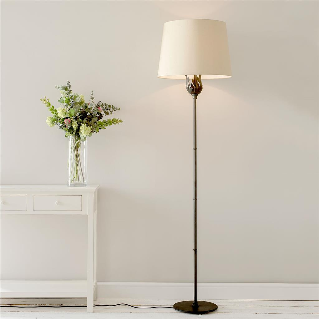 Chelsea Floor Lamp in Beeswax