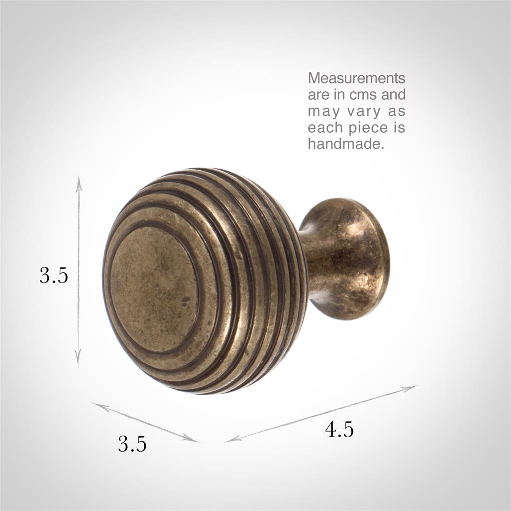 Reeded Cupboard/Drawer Knob in Antiqued Brass