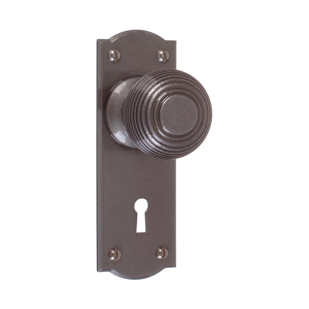 Reeded Door Knob, Nowton Keyhole Plate, Polished