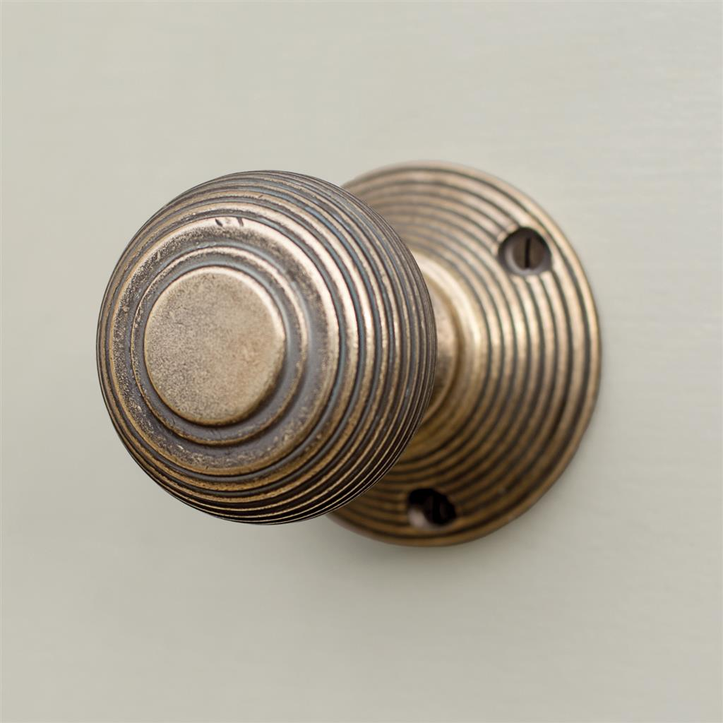 Reeded Door Knob, Reeded Plate, Antiqued Brass
