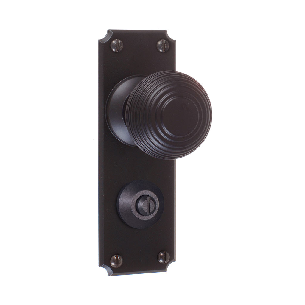 Reeded Door Knob, Ilkley Privacy Plate, Matt Black