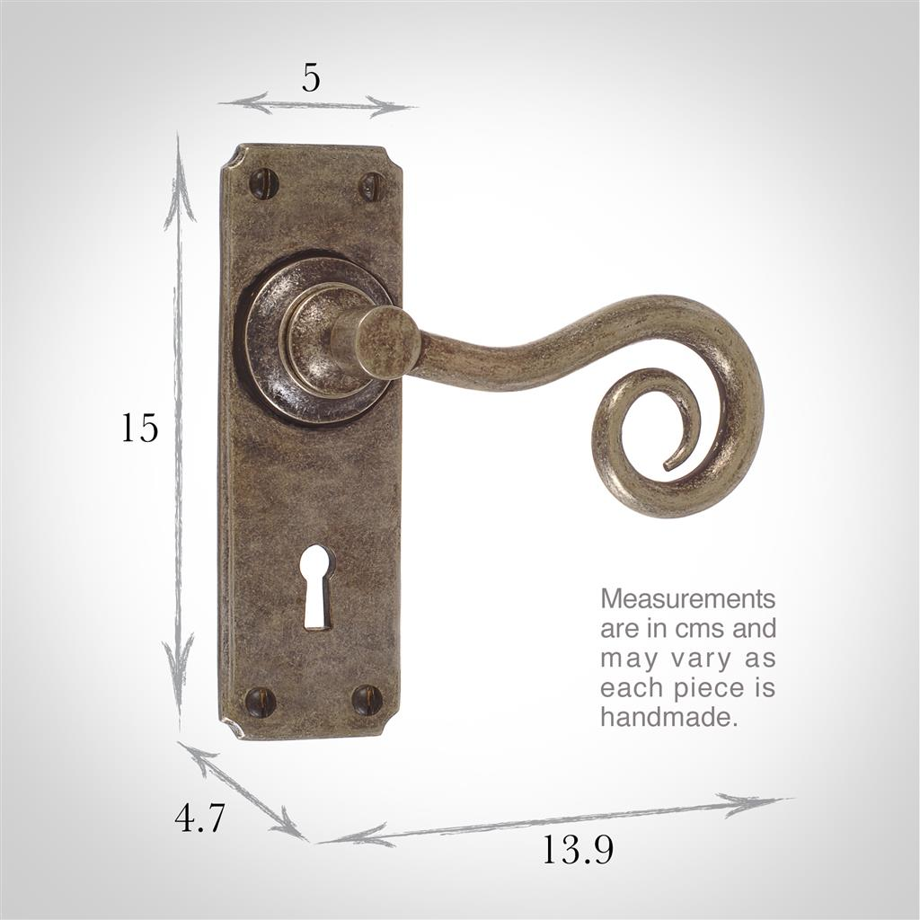 Curled Handle, Ilkley Keyhole Plate, Antiqued Brass