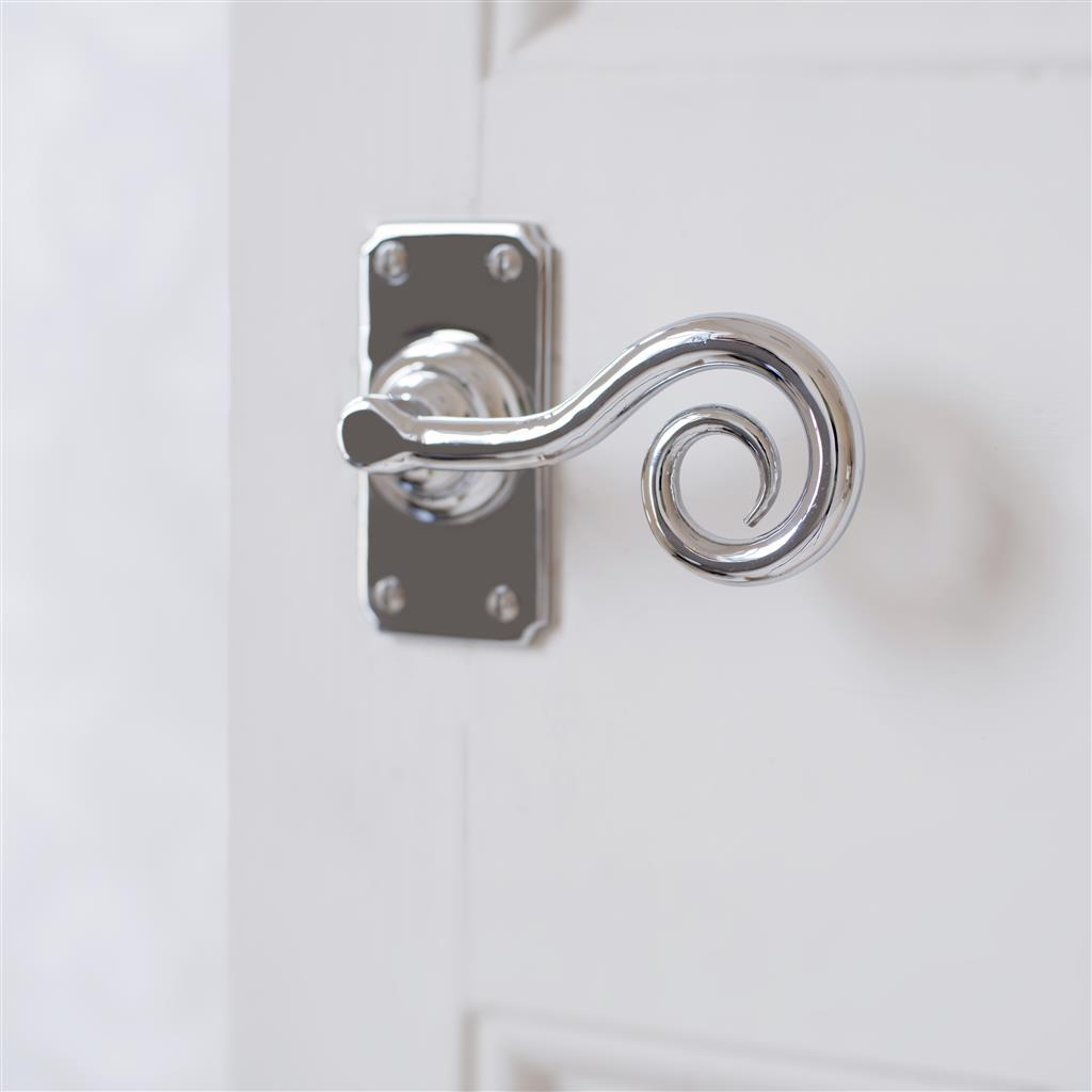 Curled Handle, Ilkley Short Plate, Nickel