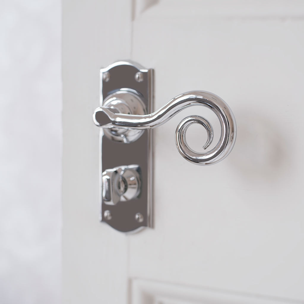 Curled Handle, Nowton Privacy Plate, Nickel