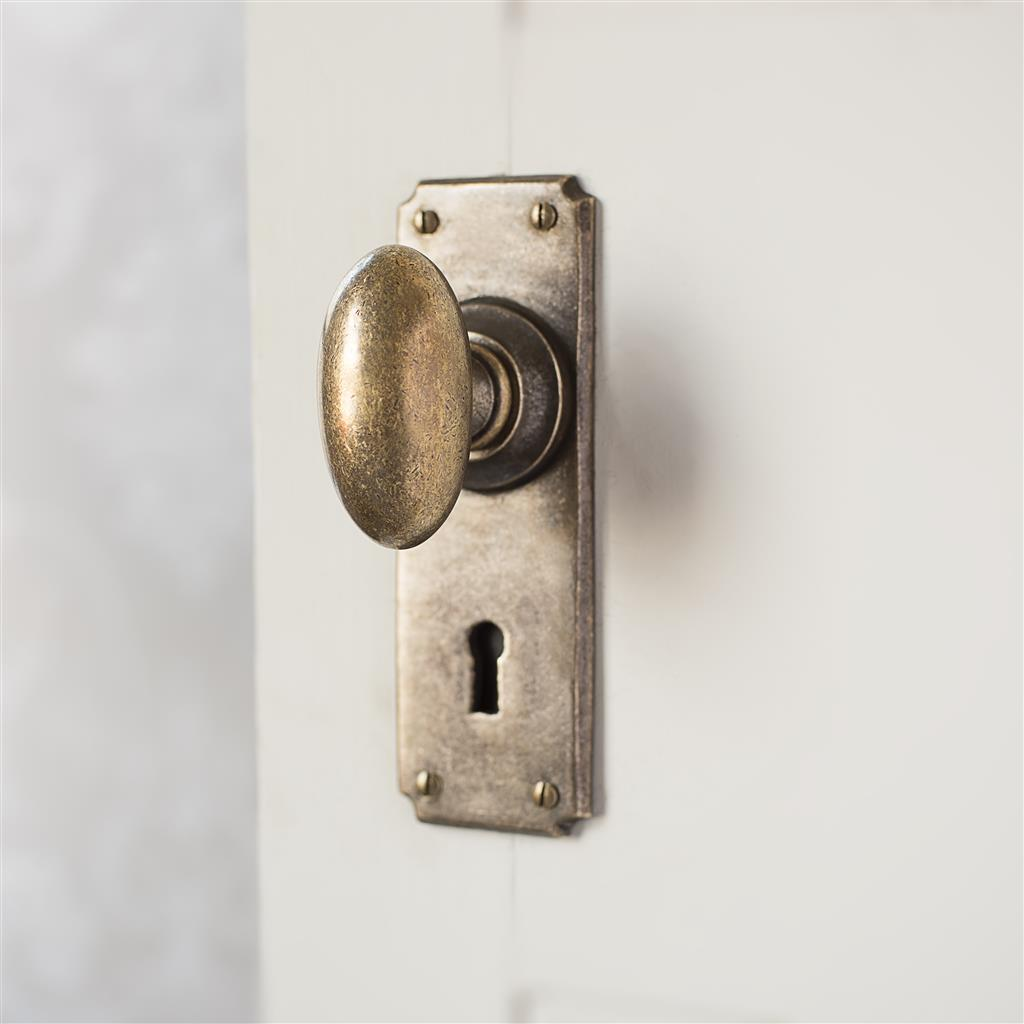 Downley Knob, Ilkley Keyhole Plate, Antiqued Brass