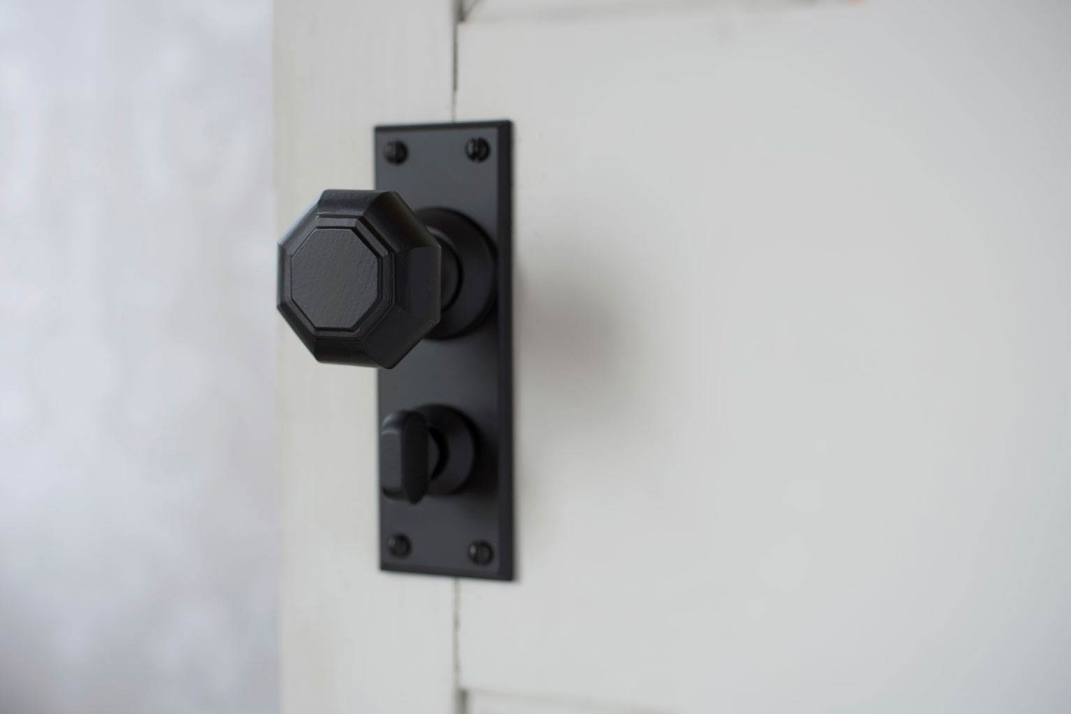 Shaftesbury Knob, Ripley Privacy Plate, Matt Black