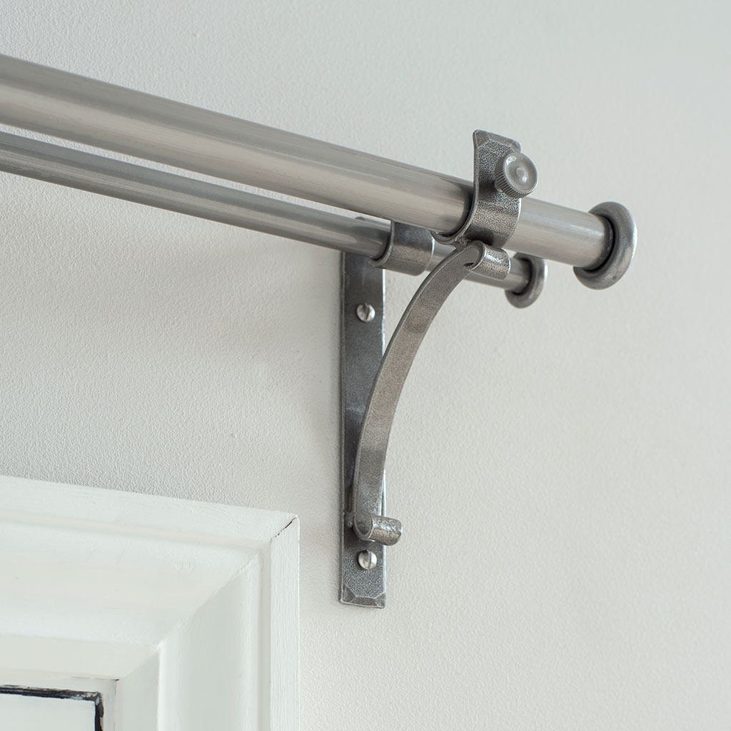 20/12mm Double Pole Standard Bracket in Polished