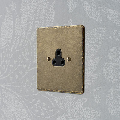 2amp Round Pin Socket Antiqued Brass Hammered Plate, Black Insert