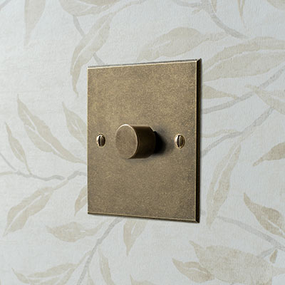 1 Gang Rotary Dimmer Antiqued Brass Bevelled Plate