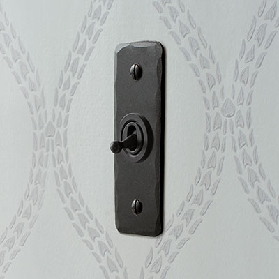 1 Gang Black Dolly Architrave Switch Beeswax Hammered Plate