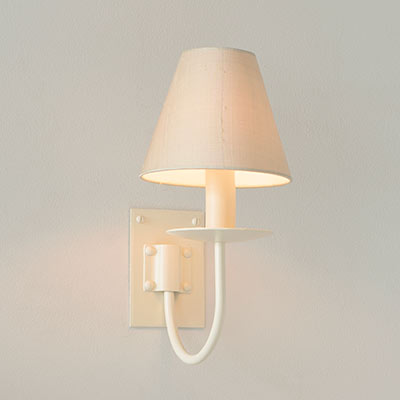 Single Smuggler's Wall Light in Plain Ivory