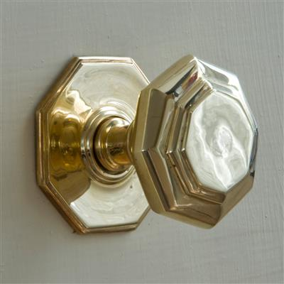 Shaftesbury Front Door Knob in Polished Brass