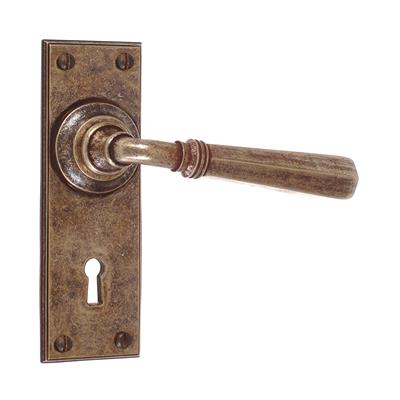 Chester Handle, Ripley Keyhole Plate, Antiqued Brass