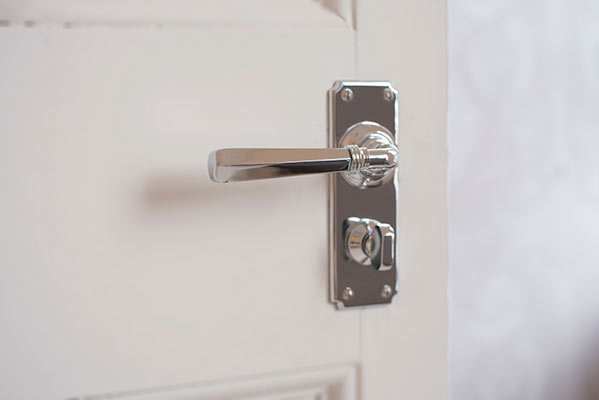 Chester Handle, Ilkley Privacy Plate, Nickel
