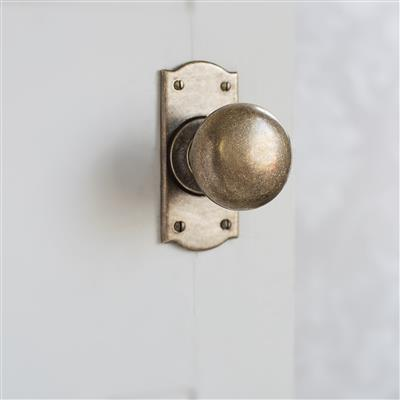 Holkham Door Knob, Nowton Short Plate, Antiqued. Brass