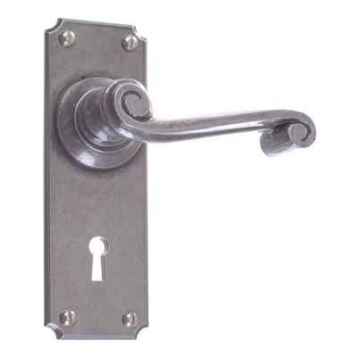Regency Handle, Ilkley Keyhole Plate, Polished