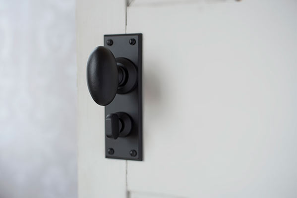 Downley Knob, Ripley Privacy Backplate, Matt Black