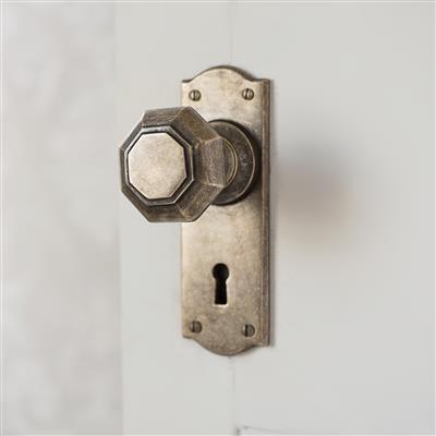 Shaftesbury Door Knob with Nowton Keyhole Backplate
