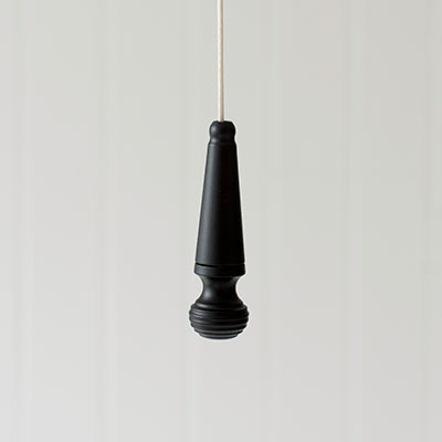 Reeded Light Pull in Matt Black